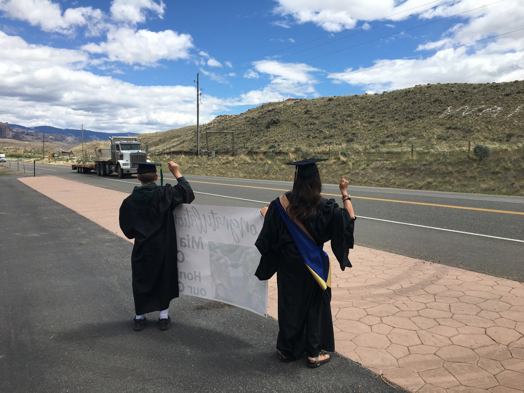 Honk to Celebrate Mia and Orrin graduating from Wapiti School