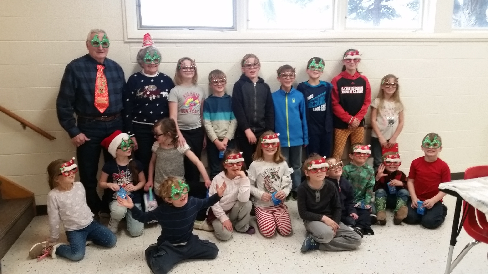 Students get festive during a Wapiti lunch served by local community volunteers.